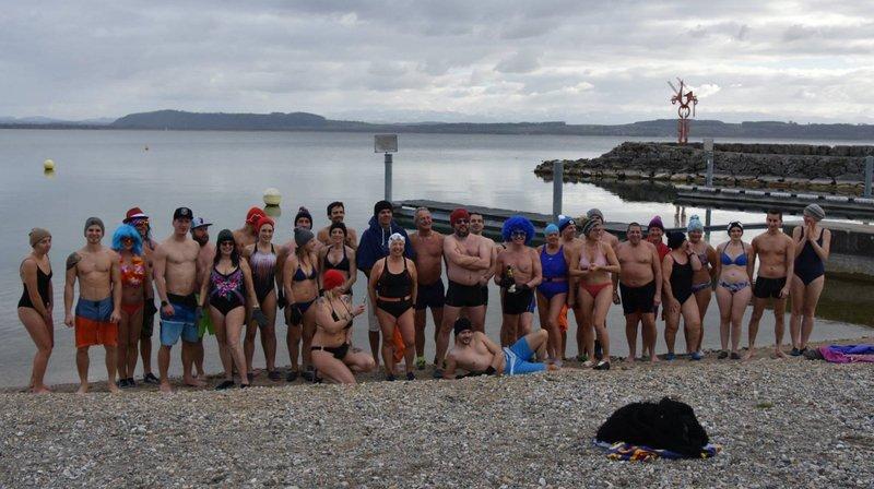 Les trempeurs d'Hauterive ont fêté Nouvel An dans l'eau