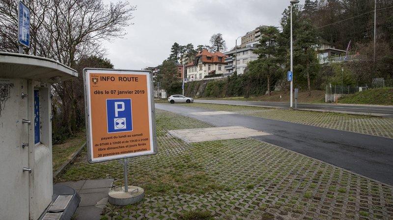 Aux Falaises, la partie sud du parking est désormais réservée aux camping-cars et celle du nord devient un parking payant illimité.