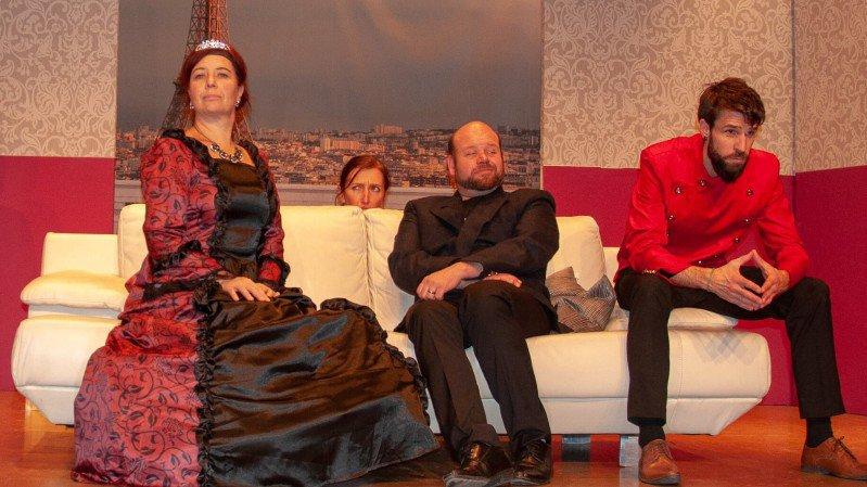 La compagnie le Poulailler plonge le spectateur dans une ambiance royale à Savagnier et Noiraigue