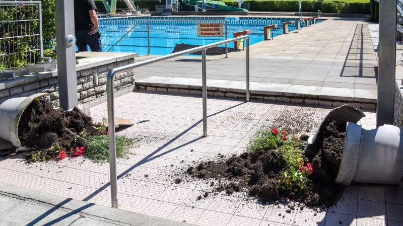 Quatre mineurs ont été jugés ce mardi pour divers actes de vandalisme, commis notamment à la piscine du Communal du Locle à l'été 2017.