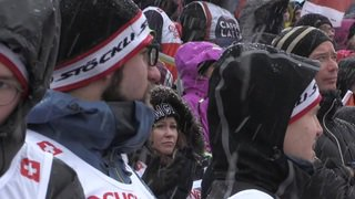 Adelboden (BE): sous la neige, le public vibre pour la première manche du slalom spécial