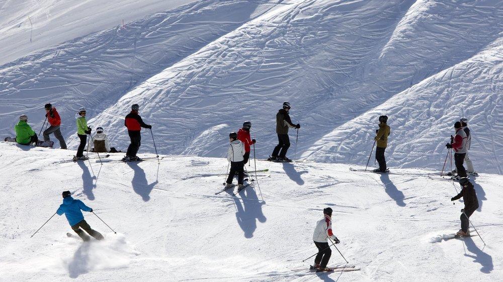 Des gamins en camp de ski à Arolla.