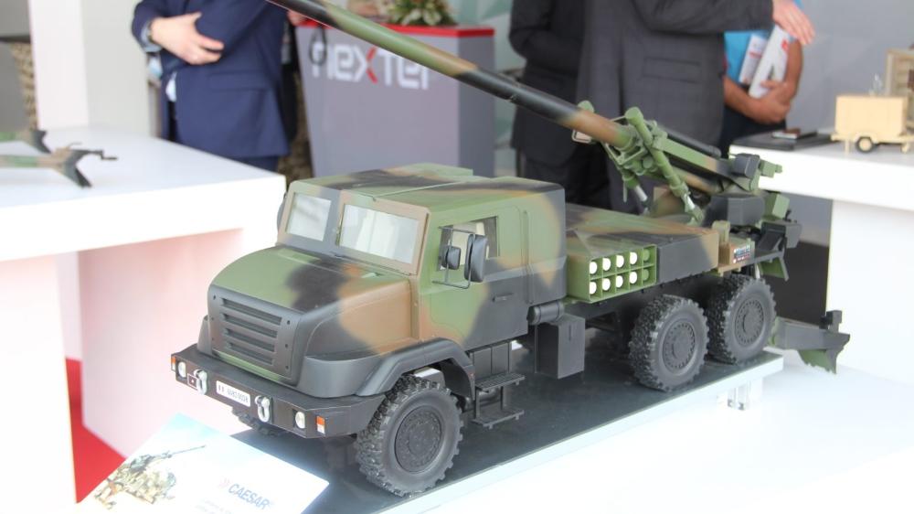 A Abidjan, la gamme des armements catalogue est riche de drones ou d'hélicoptères de combat, en passant par les radars et les véhicules de transport blindés.