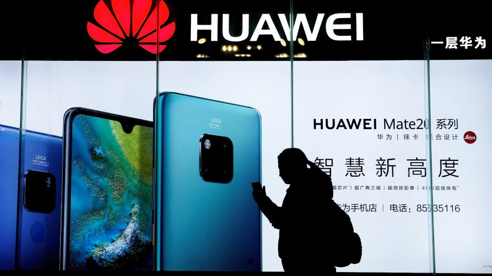 Huawei s'est emparée de nombreux marchés. Elle va ainsi équiper les futurs réseaux téléphoniques 5G  de dix pays et cherche à en équiper 20 autres, dont la Suisse (via Swisscom).