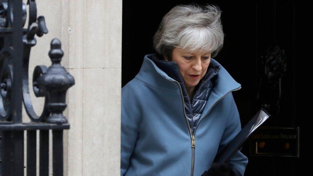 Theresa May a demandé, hier, aux députés de «garder leur sang-froid» et de lui donner quinze jours de plus.