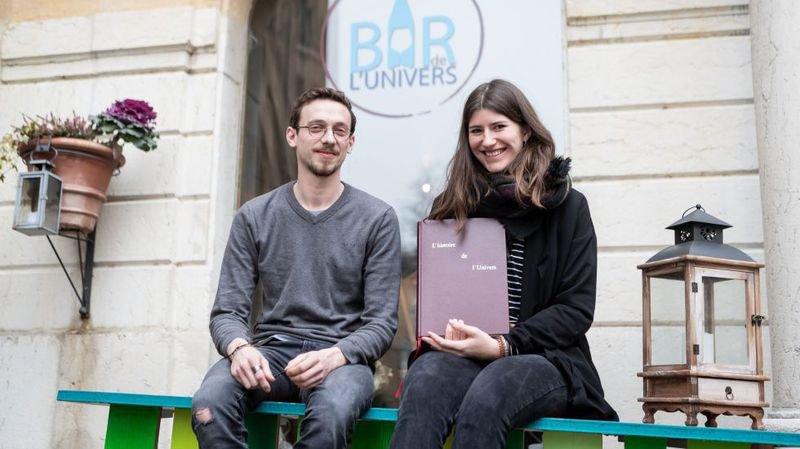 Gilles et Marie, avec le livre dont les clients seront les auteurs.