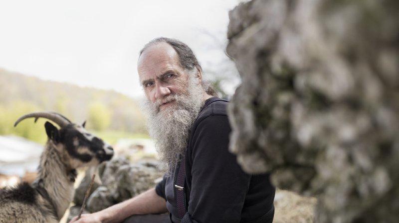 Paysan à Vauffelin, dans le Jura bernois, ayant vécu ses jeunes années à Bienne, Jean-Pierre Rochat n'en est pas à son premier prix littéraire.