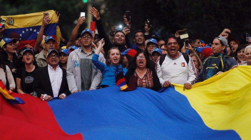 Venezuela: l'armée appuie Maduro face au soutien international à Guaido