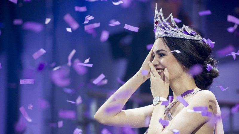 Jastina Doreen Riederer perd sa couronne de Miss Suisse pour avoir violé le contrat la liant à l'organisation qui gère le concours et ses partenaires. (Archives)