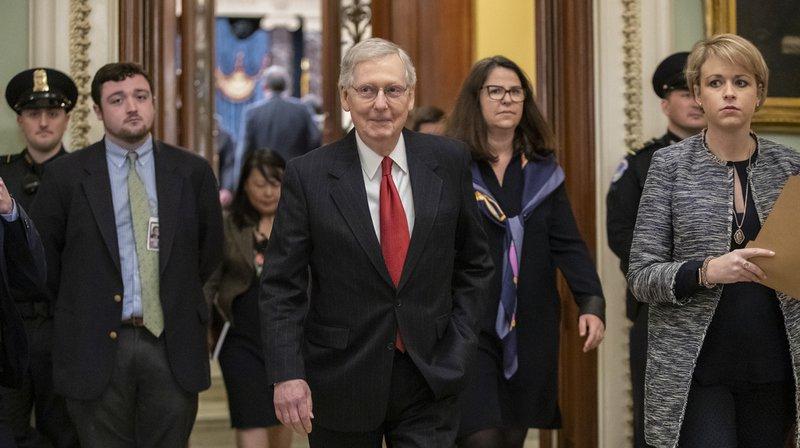 """Les sénateurs américains se sont prononcés jeudi sur le plan de sortie du """"shutdown"""" proposé par Donald Trump. Son texte n'a pas atteint le nombre de voix nécessaires à sa mise en vote."""