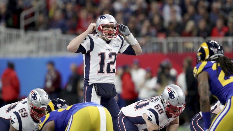 Le quarter back de New England Tom Brady est devenu le joueur de football américain le plus titré de l'histoire avec son sixième sacre au Super Bowl.