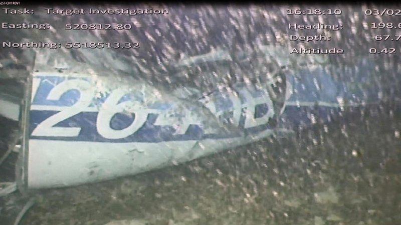 Une image de la carcasse de l'avion qui transportait le footballeur Emiliano Sala disparu le 21 janvier.