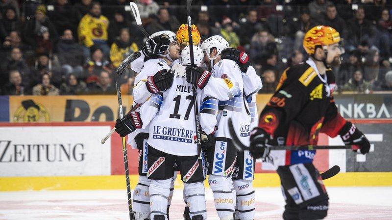 Les joueurs de Fribourg célèbrent le premier but de la soirée contre Berne.