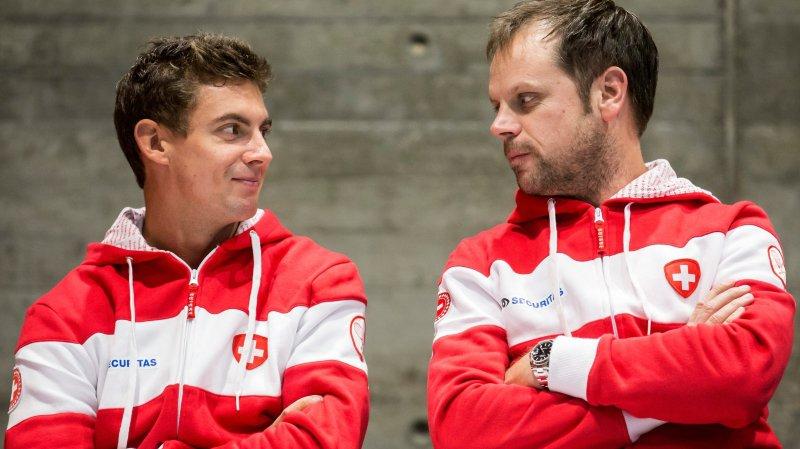Henri Laaksonen (à gauche) et le capitaine Severin Lüthi comptent sur le nouveau format de la Coupe Davis pour tenter de créer l'exploit.