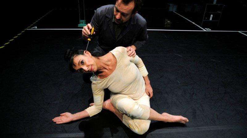 En voyage de Neuchâtel à Micropolis avec la danseuse Laura Rossi