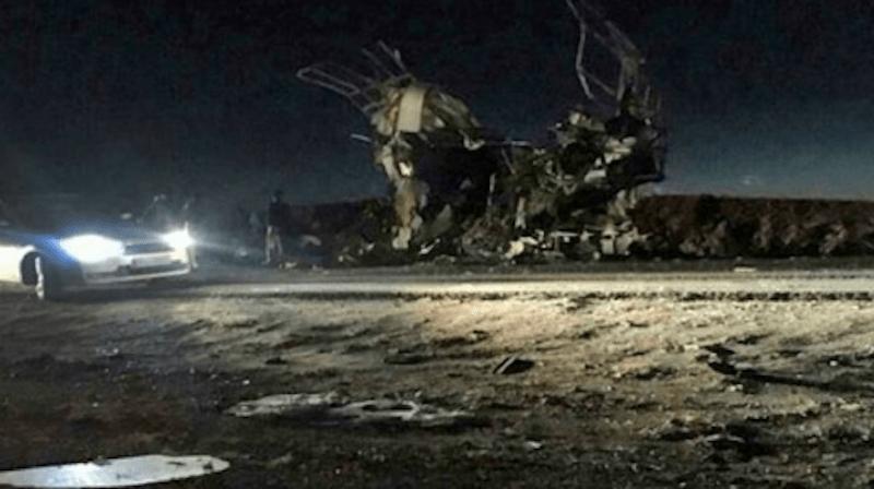 Les Gardiens de la Révolution ont déclaré qu'une voiture piégée a explosé près du bus transportant une unité des forces terrestres des Gardiens.