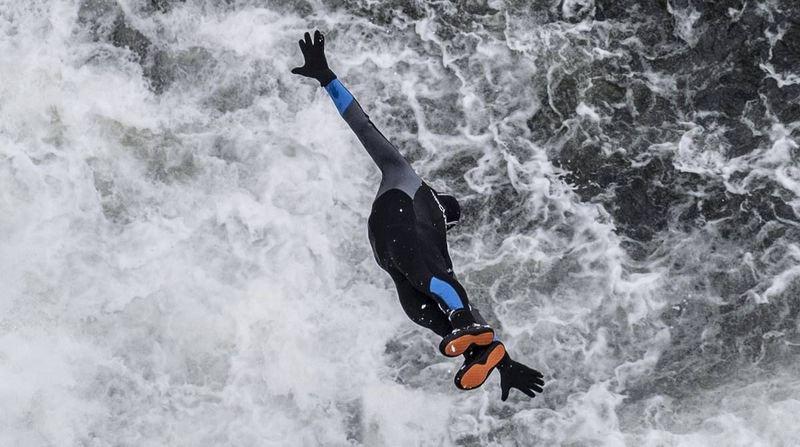 Saut-du-Doubs: Ils ont plongé à la chute en plein hiver