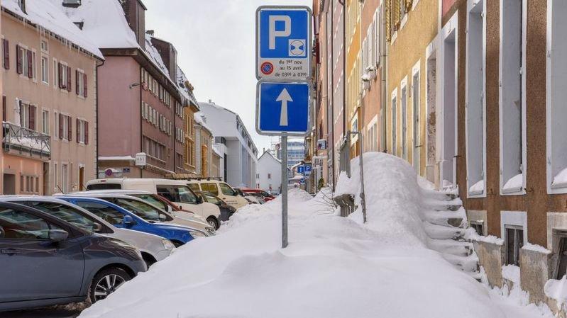 Parking: le macaron chaux-de-fonnier est-il la bonne solution?