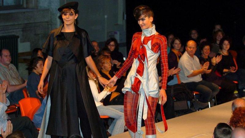 En 1994, l'Ecole de couture de La Chaux-de-Fonds célèbre son centenaire