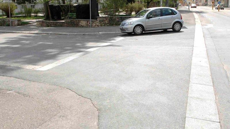 Dans les villes, les trottoirs continus sont de plus en plus présents.