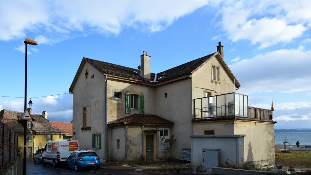Le Centre espagnol pensait exploiter tout l'immeuble de Coquemène 1, à Serrières. Mais les promesses de la Ville de Neuchâtel se sont révélées être du vent.