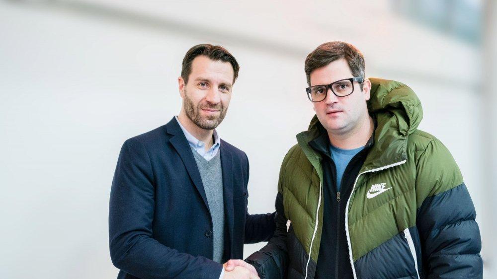 Les ex-hockeyeurs Lars Weibel (à gauche) et Loïc Burkhalter se retrouvent face à face dans de nouveaux rôles.