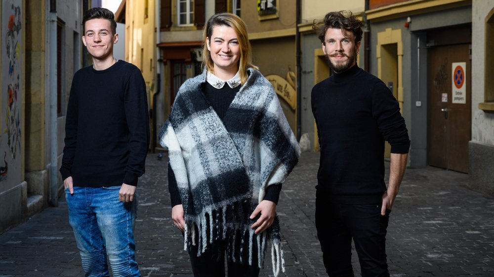 James Alzetta, Aline Tatone, et Giona Mottura (de gauche à droite) ont fondé le collectif Sui Generis pour parler de transidentité.