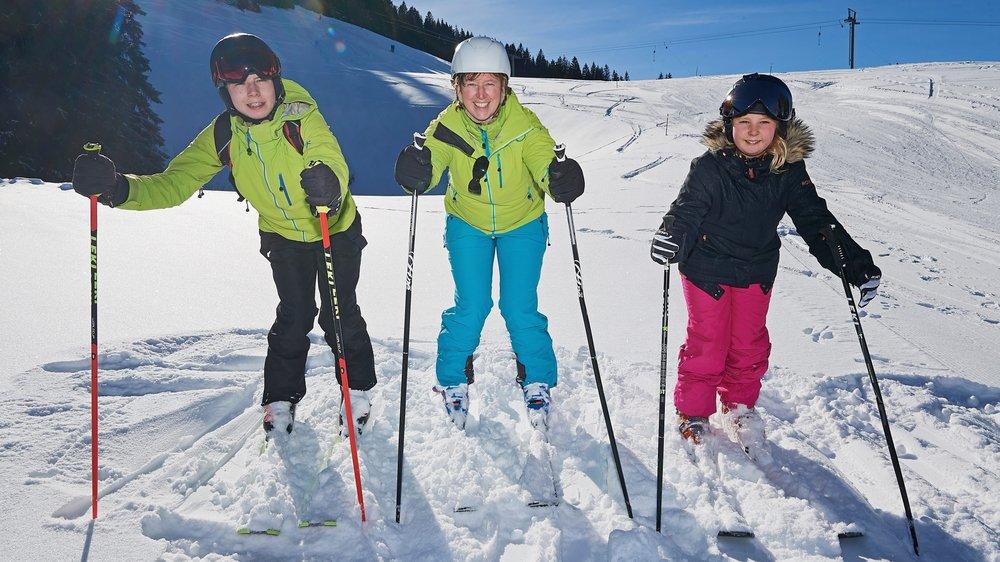 Sandra Schlaeppi et ses enfants, Olan et Lorine, sont prêts pour la descente de ce dimanche.