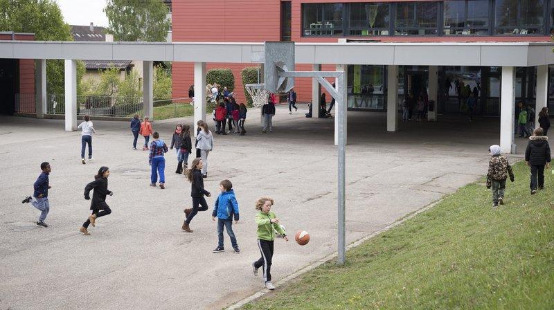 Dès la rentrée d'août 2019, plus de 250 élèves des cycles 1 et 2 du Cercle scolaire de Val-de-Ruz ne fréquenteront plus le collège de leur village de domicile.