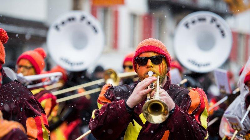 Le cortège 2018 du carnaval du Noirmont. Photo: Lucas Vuitel