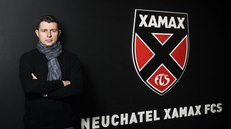 Sebastien Fontbonne, le nouveau responsable du recrutement de Neuchatel Xamax FCS pose pour le photographe dans le stade de la maladiere ce mercredi 23 janvier 2019 a Neuchatel. (KEYSTONE/Jean-Christophe Bott)