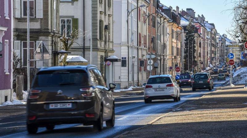 La rue Numa-Droz, à La Chaux-de-Fonds, l'une des rues très exposées au bruit routier.
