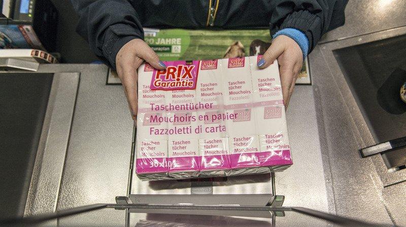 """Parmi les 100 nouveaux produits """"Prix-Garantie"""" que va introduire la Coop, on trouve notamment la poudre à lever et la viande hachée de bœuf. (Archives)"""