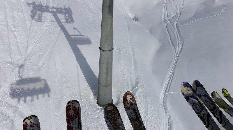 L'accident a eu lieu jeudi tandis que la fillette, qui prenait des cours de ski avec un moniteur, avait pris place sur un télésiège six places. (Archives)