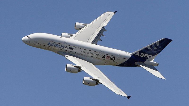 Les A380 sont des avions à deux étages capables d'accueillir plus de 500 passagers.