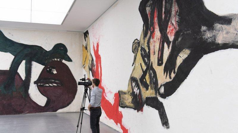 Oeuvre suisse monumentale de 140 m sur 4,4 exposée à Coire