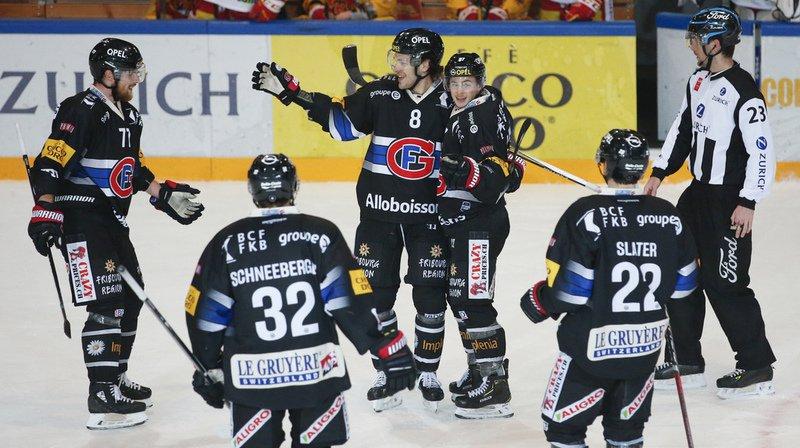 Hockey sur glace: Lausanne grimpe, Fribourg est toujours dans la course