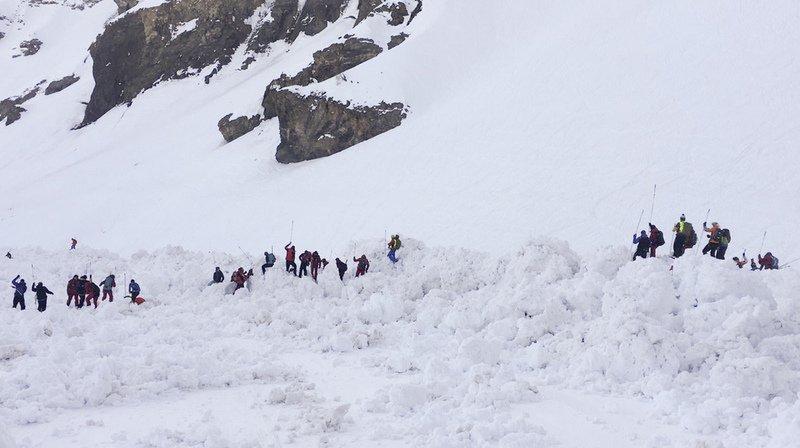 """L'avalanche s'est déclenchée vers 14h15 sur une largeur de cent mètres sur la piste """"Kandahar"""" à 2500 mètres d'altitude."""