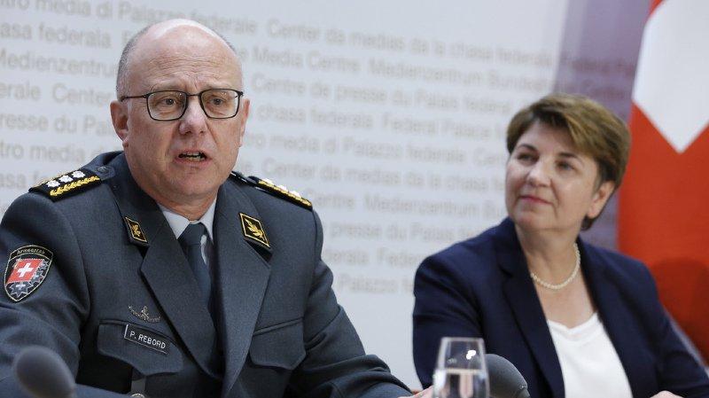 Philippe Rebord semblait pleinement remis, jeudi, aux côtés de Viola Amherd, pour la présentation des objectifs 2019 de l'armée suisse.