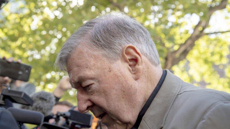 Le cardinal est resté silencieux lors de son audience devant le Tribunal de Comté de Victoria, à Melbourne.