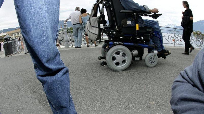 Une personne invalide à 69% touchera 69% d'une rente alors qu'une avec un taux d'invalidité de 70% aura droit à une rente entière.
