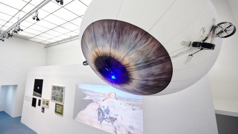 L'exposition jette un regard sur l'histoire de la photographie aérienne suisse et propose également des activités interactives.