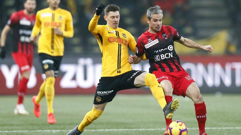 A part Young Boys (ici Christian Fassnacht, en jaune, à la lutte avec le Xamaxien Janick Kamber) et Zurich, les clubs suisses n'ont pas brillé sur la scène européenne cette saison.