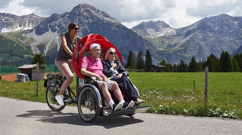 Les personnes âgées retrouvent une mobilité et des sensations oubliées.