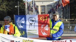 Genève: des gilets jaunes ont manifesté devant l'ONU pour demander l'envoi d'observateurs