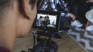 Cinq étudiants neuchâtelois vantent en vidéo les mérites de la Haute Ecole Arc