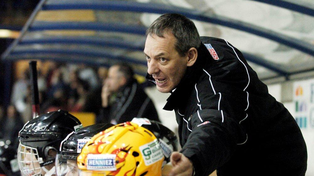 Alain Pivron, l'ancien entraîneur de Neuchâtel YS, a lui-même soulevé le lièvre auprès de la Ligue.
