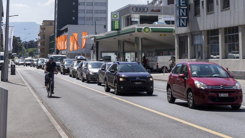 Les véhicules thermiques devraient être interdits en centres urbains dès 2024, selon l'étude.