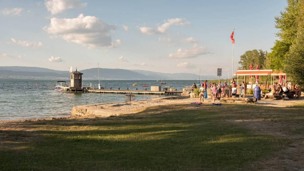 La plage d'Estavayer, en juin 2018.