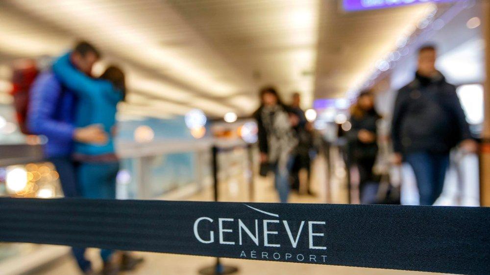 L'aéroport de Cointrin ne tire son bénéfice que des revenus non aéronautiques (commerces, parkings, etc.).